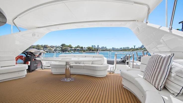 Superyachts Great Barrier Reef - Spacious deck | Whitsunday Superyacht Charter