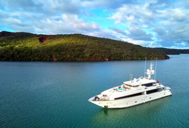 Superyachts Great Barrier Reef - Whitsundays Yacht Charters