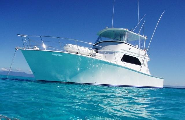 Luxury private charter boat on the Great Barrier Reef in Cairns