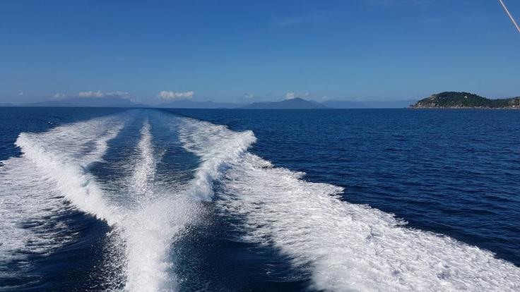 Private Great Barrier Reef Charter Boat | Day Or Overnight Charter