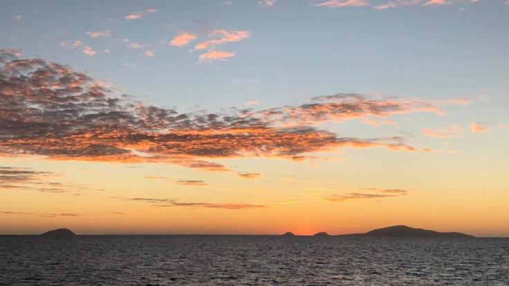Overnight Private Charter Boat Tour | Sunset Over Lizard Island Great Barrier Reef