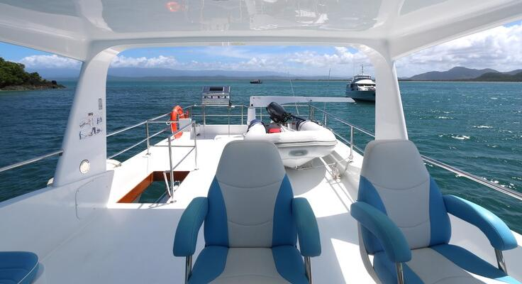 Port Douglas Yacht Charters - Flybridge Cruiser
