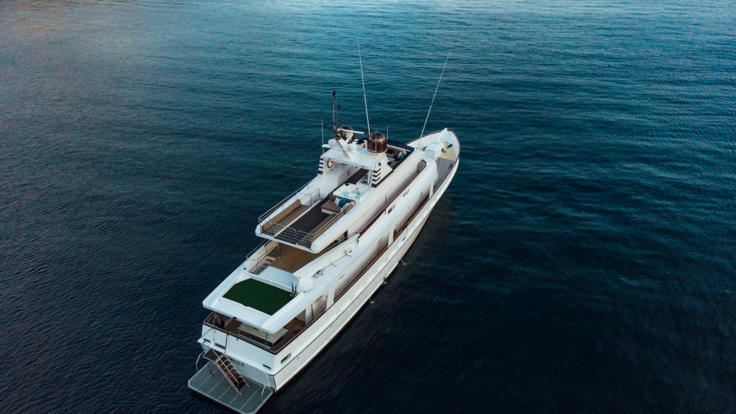 Great Barrier Reef Luxury Superyacht Charter