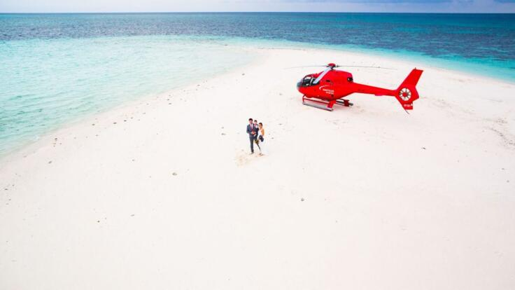 Port Douglas Helicopter Flights - Romantic Couple on Undine Sand Cay