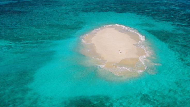 Cairns Helicopter Flights - Secluded Sand Cay
