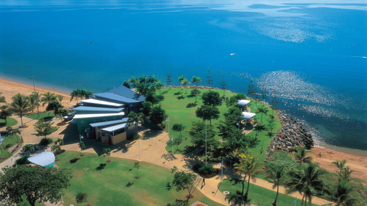 Townsville Helicopter Scenic Flights - The Strand