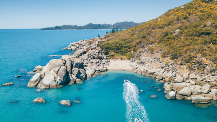 Townsville Helicopter Scenic Flights - Aerial Views Magnetic Island