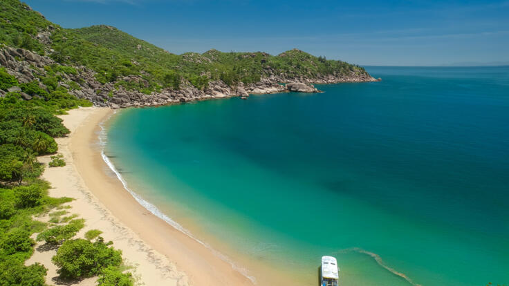 Helicopter Flights from Townsville to Magnetic Island
