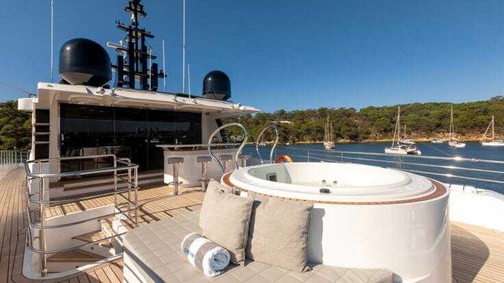 Superyacht Charters Great Barrier Reef - Jacuzzi tub on top deck