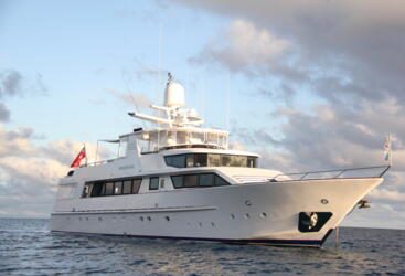 Superyacht Great Barrier Reef - Overnight Or Day Charter Super Yacht on the Great Barrier Reef in Australia