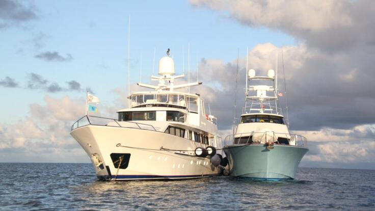 Luxury Yacht Charter Cairns - Mothershipping Great Barrier Reef