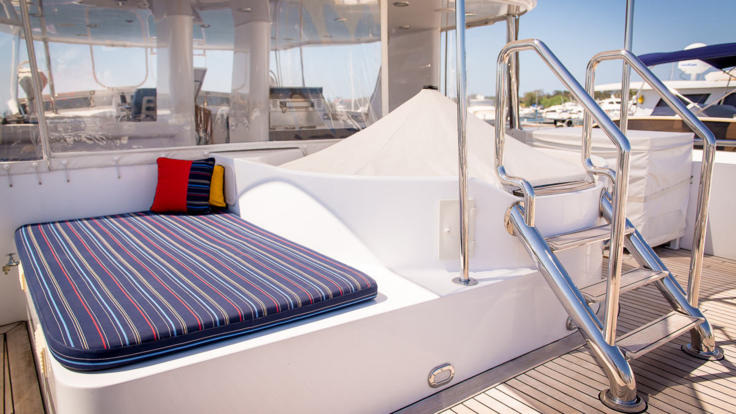 Great Barrier Reef Luxury Charter Yacht - Flybridge With Heated Spa