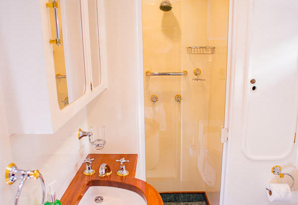 Private Charter Yacht Great Barrier Reef - Twin Stateroom Bathroom
