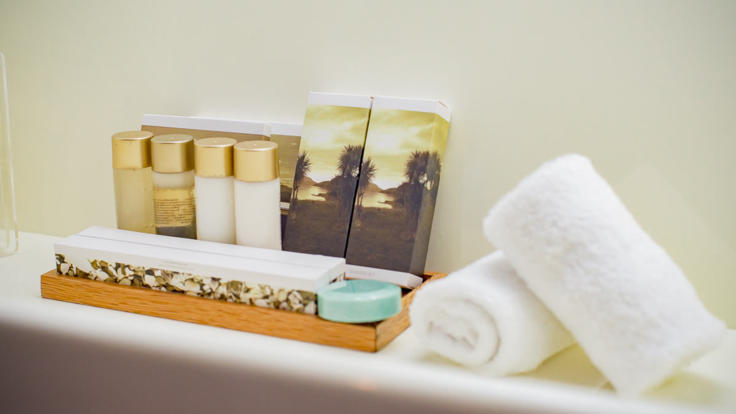 Superyacht Whitsundays - Queensland - Great Barrier Reef - Bathroom Amenities Twin Stateroom