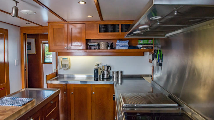 Private Charter Motor Yacht Great Barrier Reef - Fully Equipped Kitchen