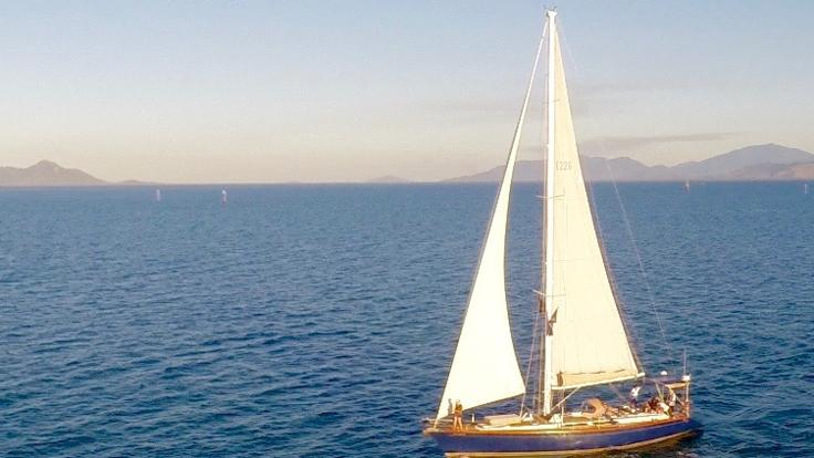 90 minutes of calm water sailing - Magnetic Island