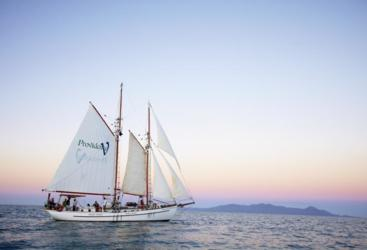Experience a magnificent Whitsunday sunset | Sunset Sail | 64 foot schooner Charter Boat