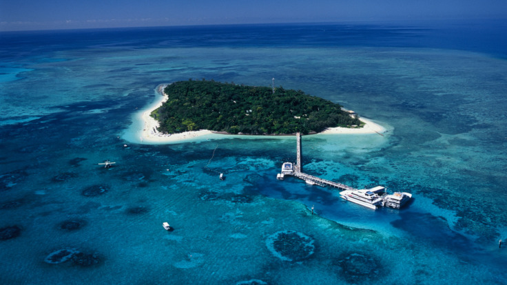 Visit stunning Green Island from Cairns on the 7 Day 3 Tour Ultimate Reef Pass