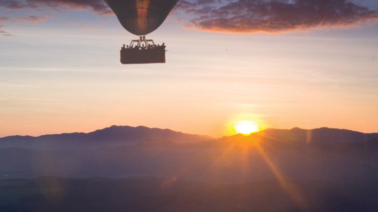 Amazing views of the Sunrise from your Hot Air Balloon flight, Cairns