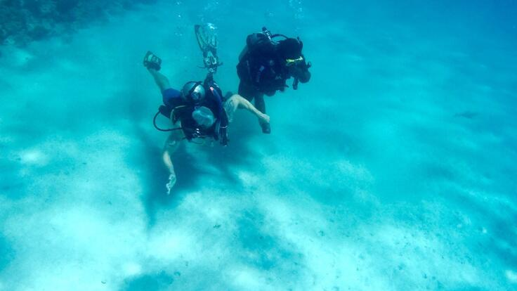 Charter Yachts Great Barrier Reef - Introductory Scuba Divers