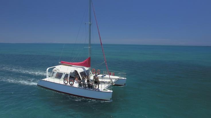 Barrier Reef Australia: View of catamaran on the outer reef off Cairns