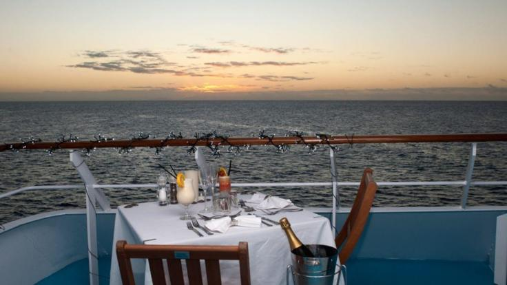 Book the Captains Club Deal and dine in style and luxury