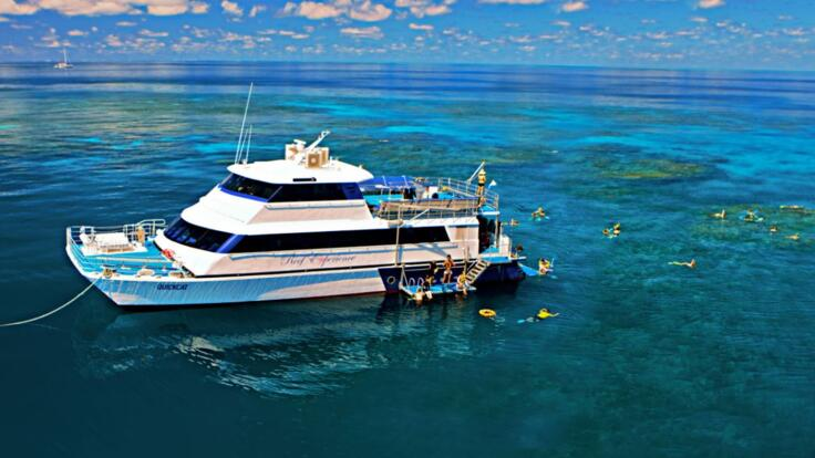 Great Barrier Reef Tour from Cairns - Dive & Snorkel Boat