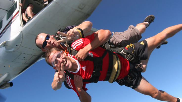Skydiving in Cairns - up to 60 seconds of free fall