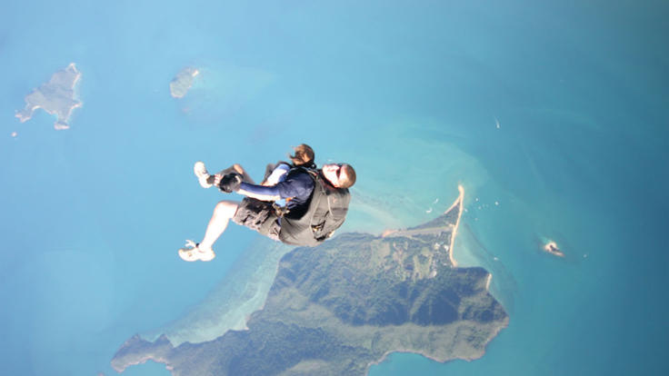 Skydiving over the reef - what a view!