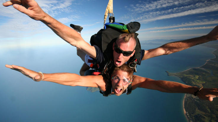 60 Seconds of free fall with your tandem skydive instructor in Cairns