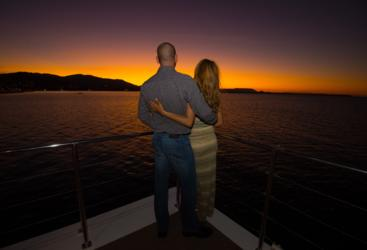 Cairns dinner cruise at sunset great for couples