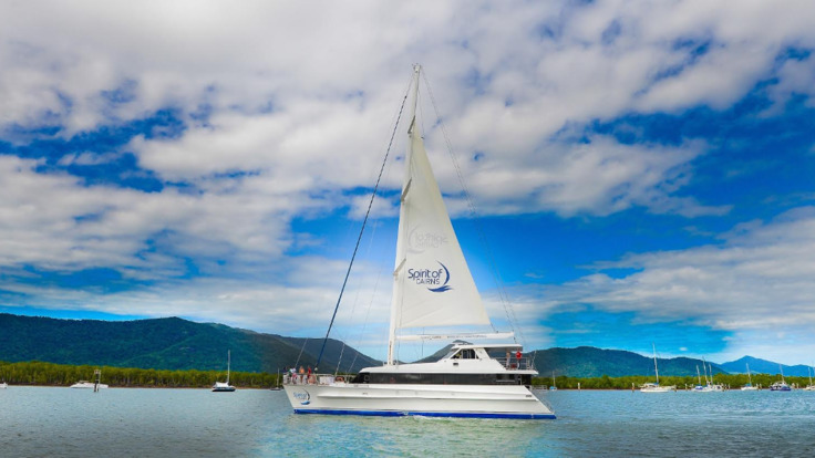 Cairns luxury dinner cruise catamaran sailing