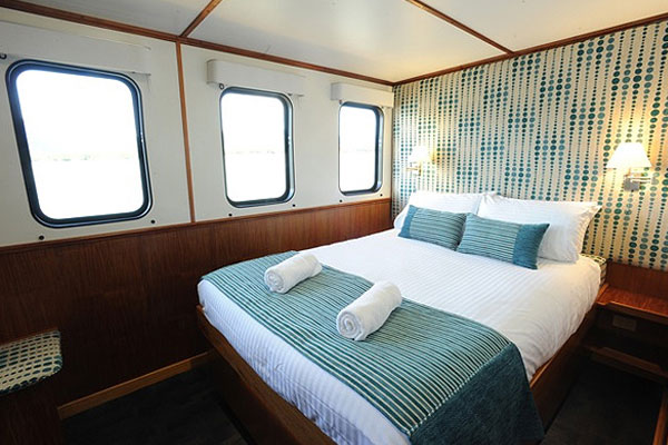 couples accommodation on liveaboard dive tour