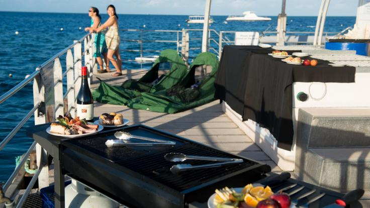 2 Day 1 Night | Sleep On The Reef | Dinner Cooked On Board By Your Hosts