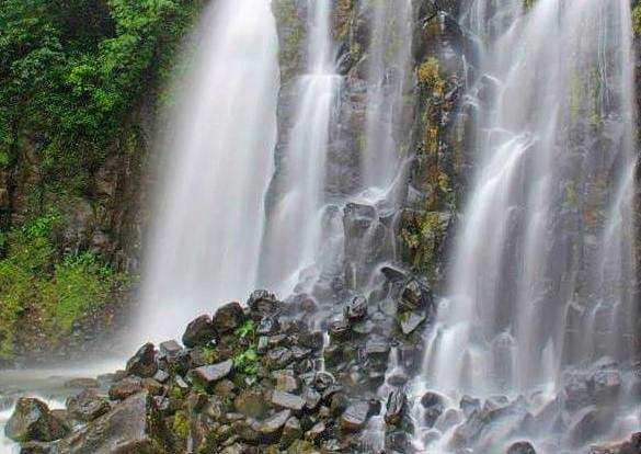 Stunning waterfall views - Atherton Tablelands