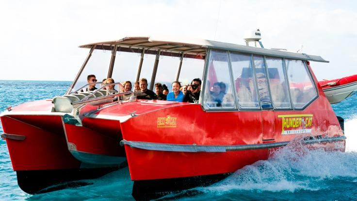 Super Fast Whitsunday Catamran Boat Tour
