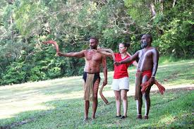Kuranda Tours - Learn to Throw a Boomerang