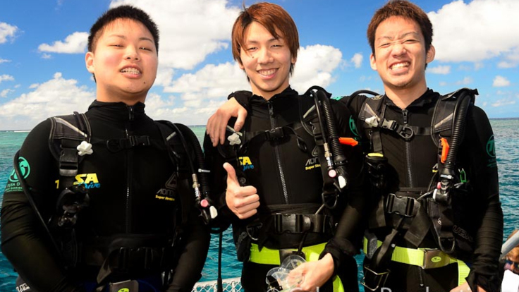 Introductory scuba diving - Great Barrier Reef Cairns