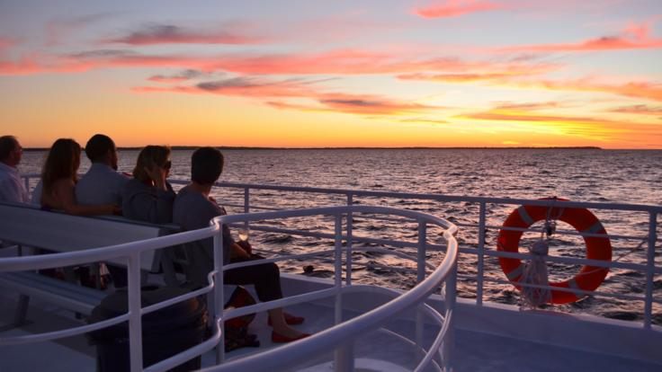 Spectacular sunset views on your afternoon sunset cruise from Hervey Bay