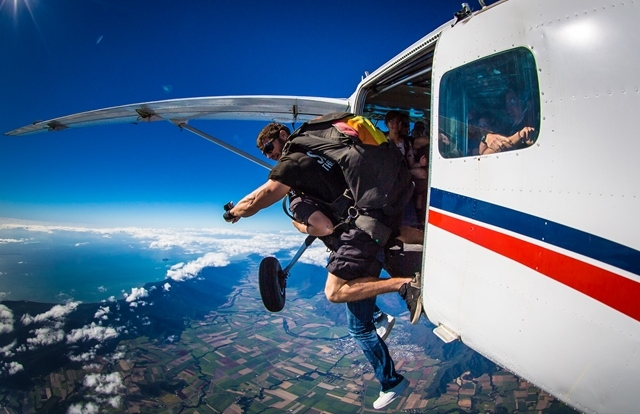 Jumping Out Of A Plane - Cairns - Skydive