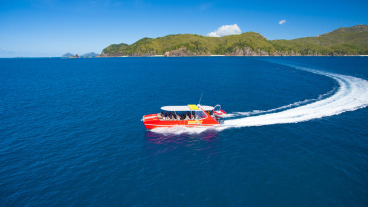 Fast boat tour to Whitehaven Beach