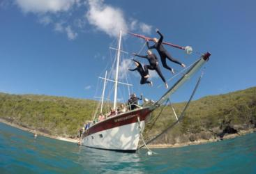 Liveaboard sailing tours in the Whitsunday Islands