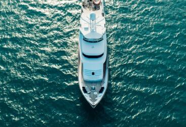 YOTSPACE superyacht voyages - Phoenix One aerial Great Barrier Reef