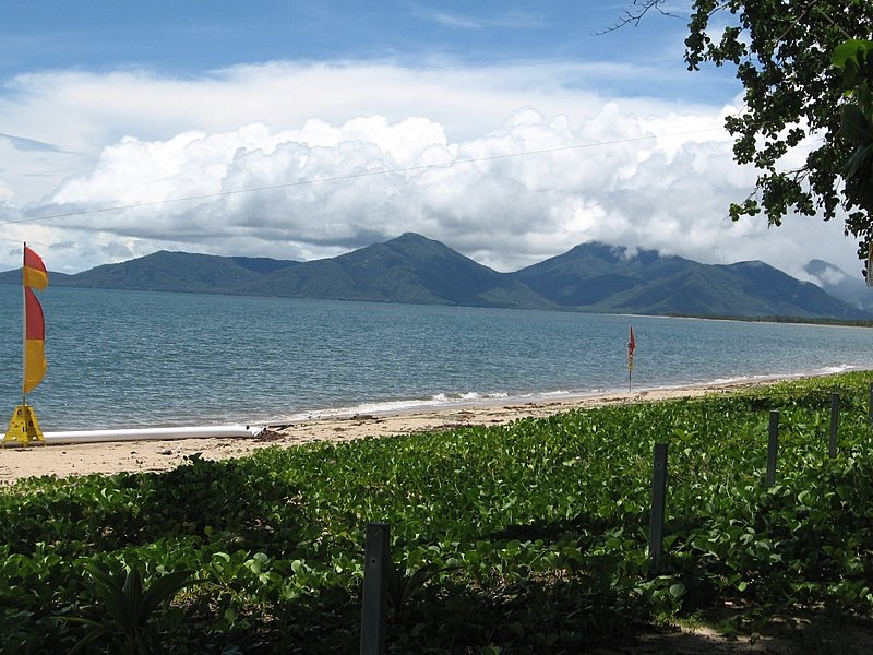 Holloways Beach, Tropical North Queensland