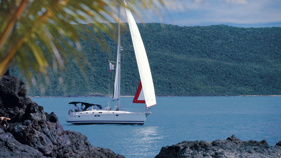 Sailing around Daydream Island, Whitsundays